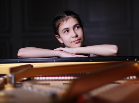 Alexandra Dovgan 3